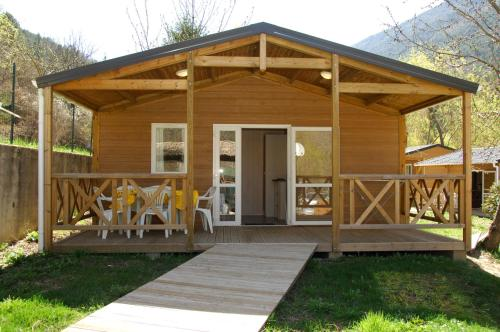 Camping La Ferme de Castellane : Guest accommodation near Demandolx
