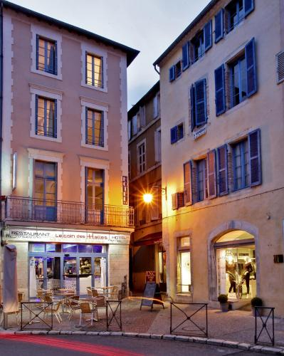 Hôtel Le Coin des Halles : Hotel near Lhospitalet