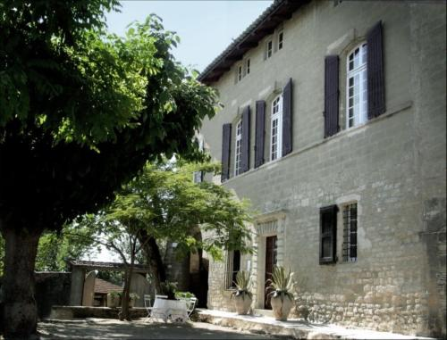 Monte Arena : Bed and Breakfast near Arpaillargues-et-Aureillac