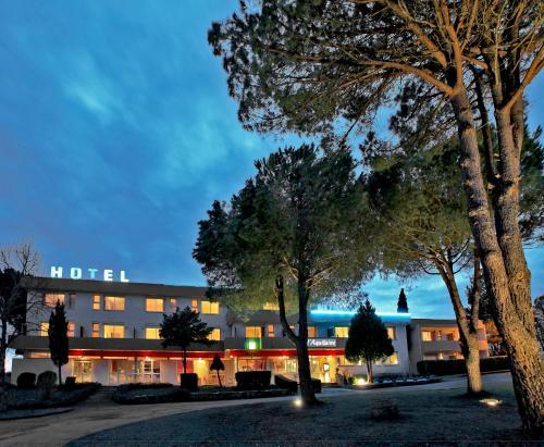 L'Aquitaine - Cahors Sud : Hotel near Montpezat-de-Quercy