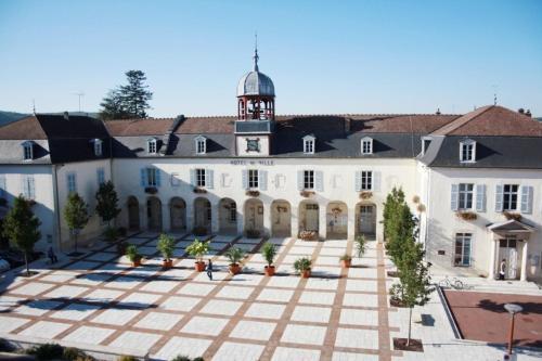 Gîte touristique du Couvent : Apartment near Dommartin-le-Saint-Père