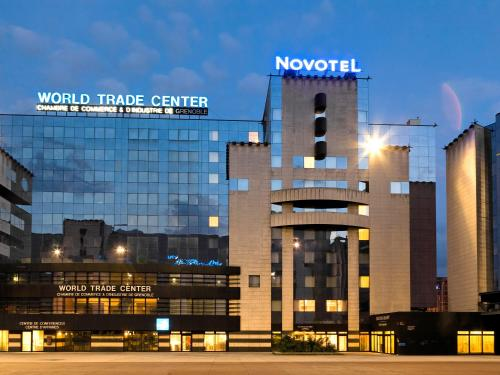 Novotel Grenoble Centre : Hotel near Fontaine