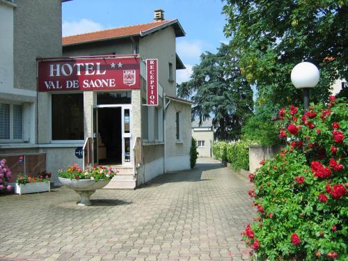 Hotel Val De Saone Lyon Caluire Rillieux : Hotel near Poleymieux-au-Mont-d'Or