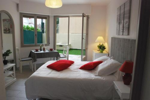 Studio Terrasse : Apartment near Cannes