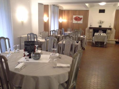 Logis la Corniche des Cevennes : Hotel near Peyrolles