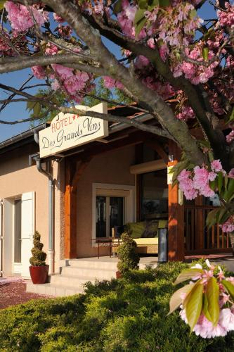 Logis Hotel Des Grands Vins : Hotel near Romanèche-Thorins