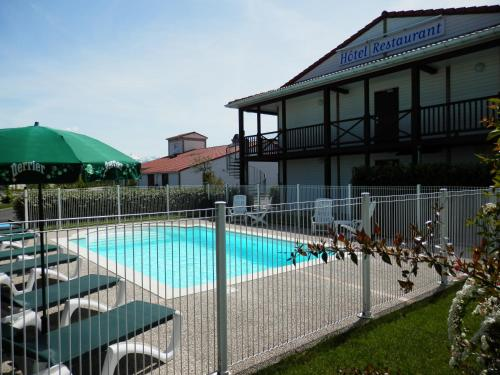 L'Auberge Everhotel de Tarbes-Ibos : Hotel near Azereix