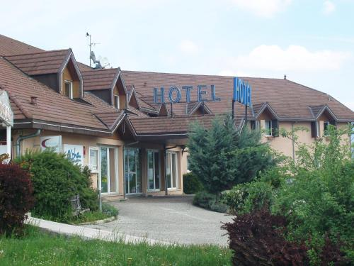 Alpha : Hotel near Minzier