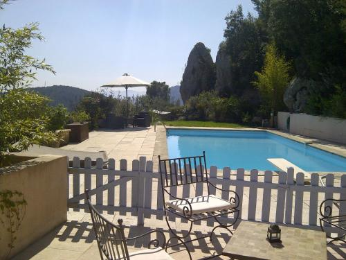 Villa Manon : Bed and Breakfast near Auriol