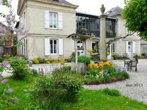Sylvia Hôtel : Hotel near Montliot-et-Courcelles