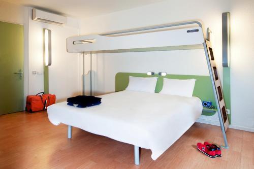 ibis budget Belfort Gare : Hotel near Trévenans