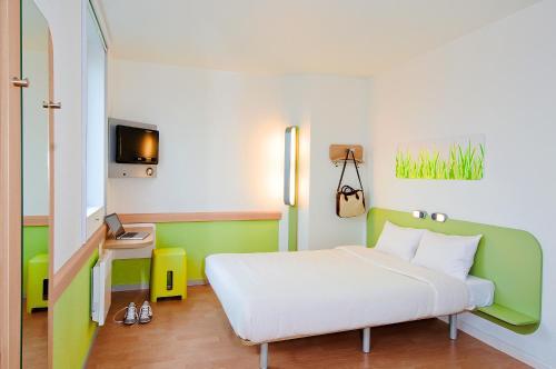 ibis budget Saint Dié des Vosges : Hotel near La Petite-Fosse