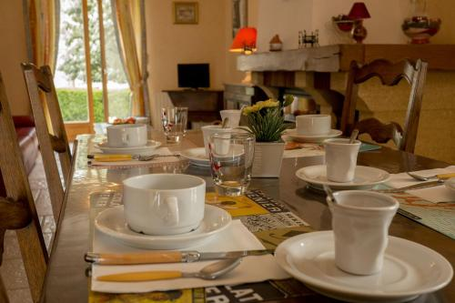 Les Louchardes : Bed and Breakfast near Créot