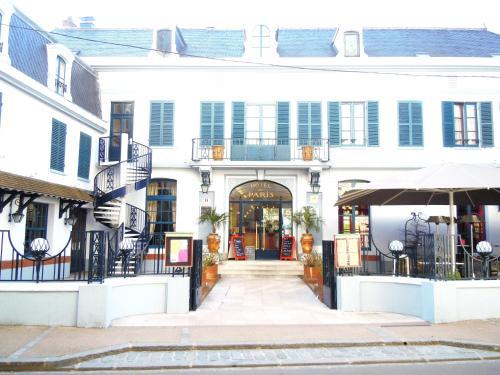 Hôtel de Paris et de la Poste : Hotel near Saint-Aubin-sur-Yonne