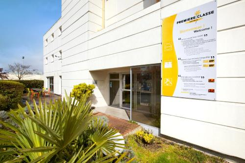 Premiere Classe Bordeaux Nord - Lac : Hotel near Sainte-Eulalie