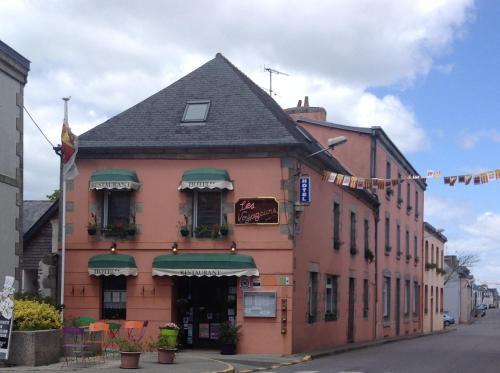 Hôtel Restaurant des Voyageurs : Hotel near Plonéour-Lanvern