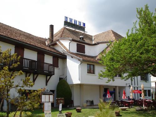 Hotel Restaurant Le Traineau (Ancien Ferrat) : Hotel near Saint-Sébastien