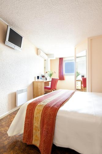 Comfort Hotel Montlucon : Hotel near Désertines