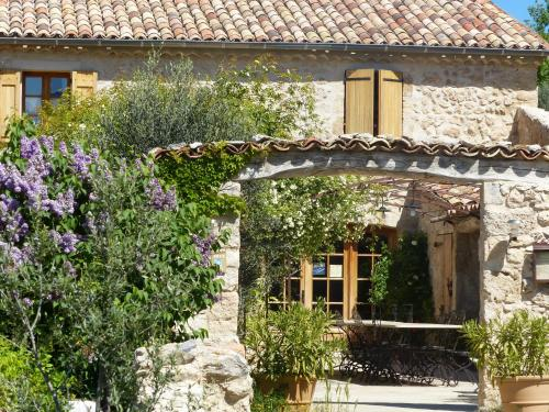La Ferme du petit Ségriès Bed and Breakfast : Bed and Breakfast near Entrages
