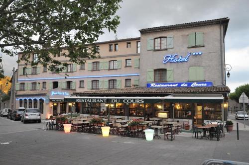 Grand Hôtel du Cours : Hotel near Salignac