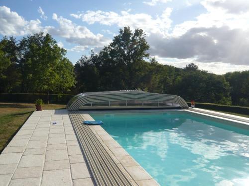 Le Moulin du Cluzeau : Guest accommodation near Roussines