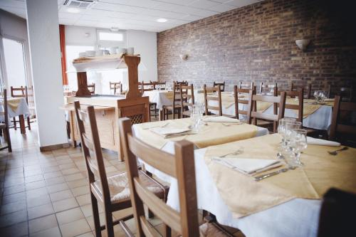 La Roseraie - Hotel & Restaurant : Hotel near Antony