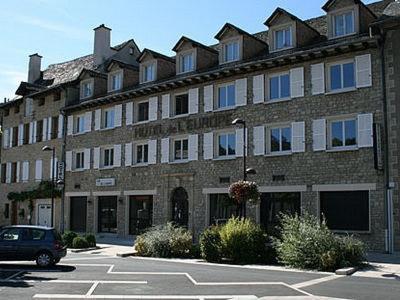 Logis Hôtel L'Europe : Hotel near Saint-Bonnet-de-Chirac