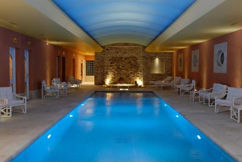 Auberge de Cassagne & Spa : Hotel near Le Pontet