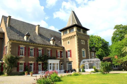 Chambres d'Hôtes Château de Viviez : Bed and Breakfast near Saint-Jean-Mirabel