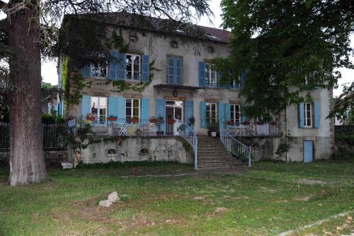 La Bastide des Baies Dorées : Guest accommodation near Saint-Prim