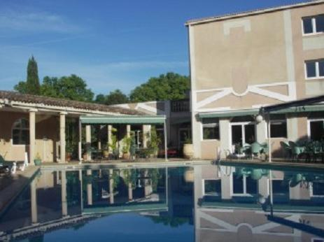 Le César : Hotel near Plan-de-Cuques