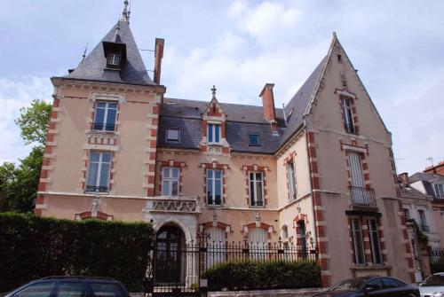 Maunoury Citybreak : Bed and Breakfast near Jouy