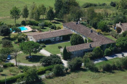 Le Manoir de Gaboria B&B : Bed and Breakfast near Landerrouet-sur-Ségur