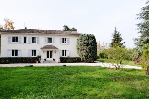 La Maison de Roussille : Bed and Breakfast near Brindas
