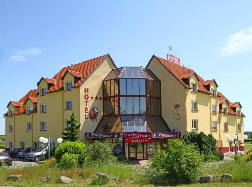 Hotel Restaurant Champ Alsace : Hotel near Gunstett