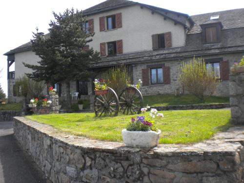 Hôtel La Randonnée : Hotel near Recoules-d'Aubrac