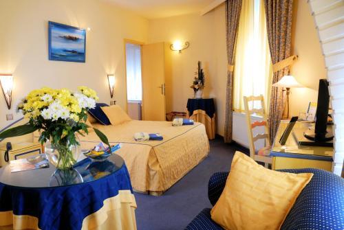 Les Reflets Jaunes : Hotel near Charnois