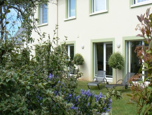 Chambres d'Hotes la Raspeliere : Bed and Breakfast near Périers-en-Auge