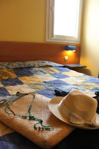 Blue Hotel : Hotel near Saint-Brieuc