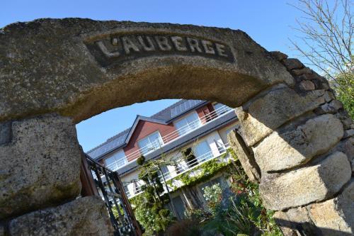 Logis L'Auberge : Hotel near Brech