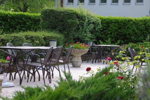 Hôtel Relais Porte des Alpes : Hotel near Vénissieux