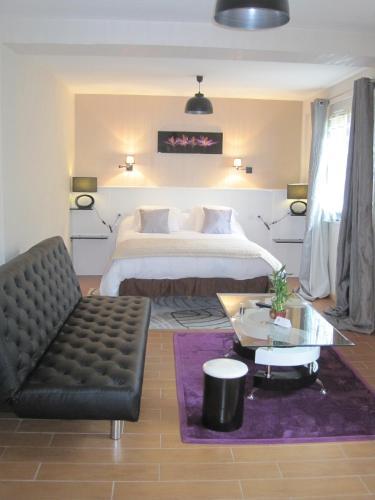 Hotel Restaurant Rive Gauche : Hotel near Augères