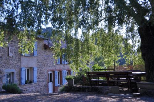 la Ferme aux abeilles : Guest accommodation near Saint-Pierre-la-Noaille