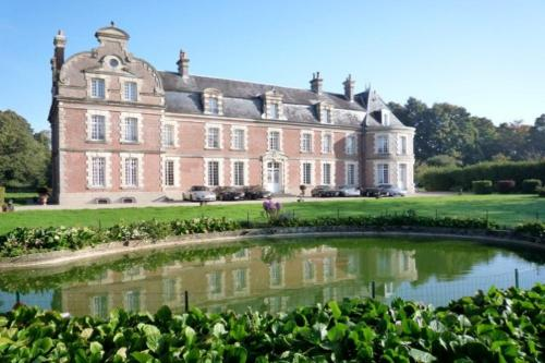 Château de Behen : Bed and Breakfast near Fresnoy-Andainville
