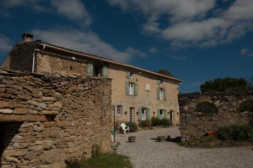 Domaine Bellelauze : Bed and Breakfast near La Digne-d'Aval