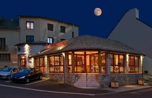 Hôtel Restaurant Prunières : Hotel near Fau-de-Peyre