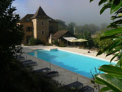 Hotel La Bastie d'Urfé : Hotel near Foissac