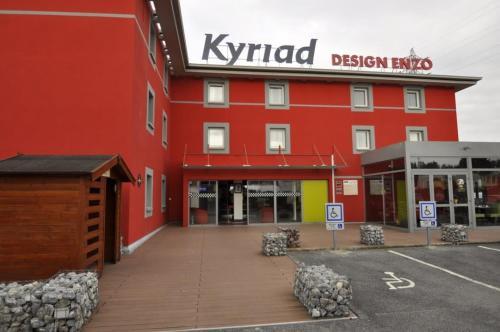 Kyriad Design Enzo Reims Tinqueux : Hotel near Chaudardes
