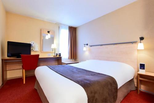 Kyriad Beauvais Sud : Hotel near Beaumont-les-Nonains