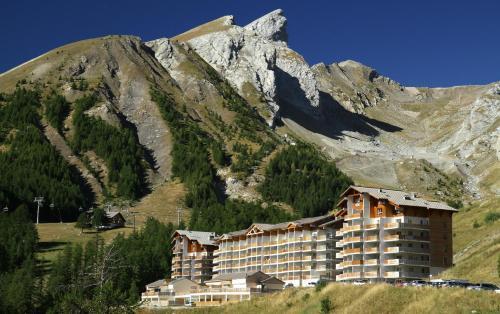 Résidence Plein Sud by Poppins : Guest accommodation near Prads-Haute-Bléone